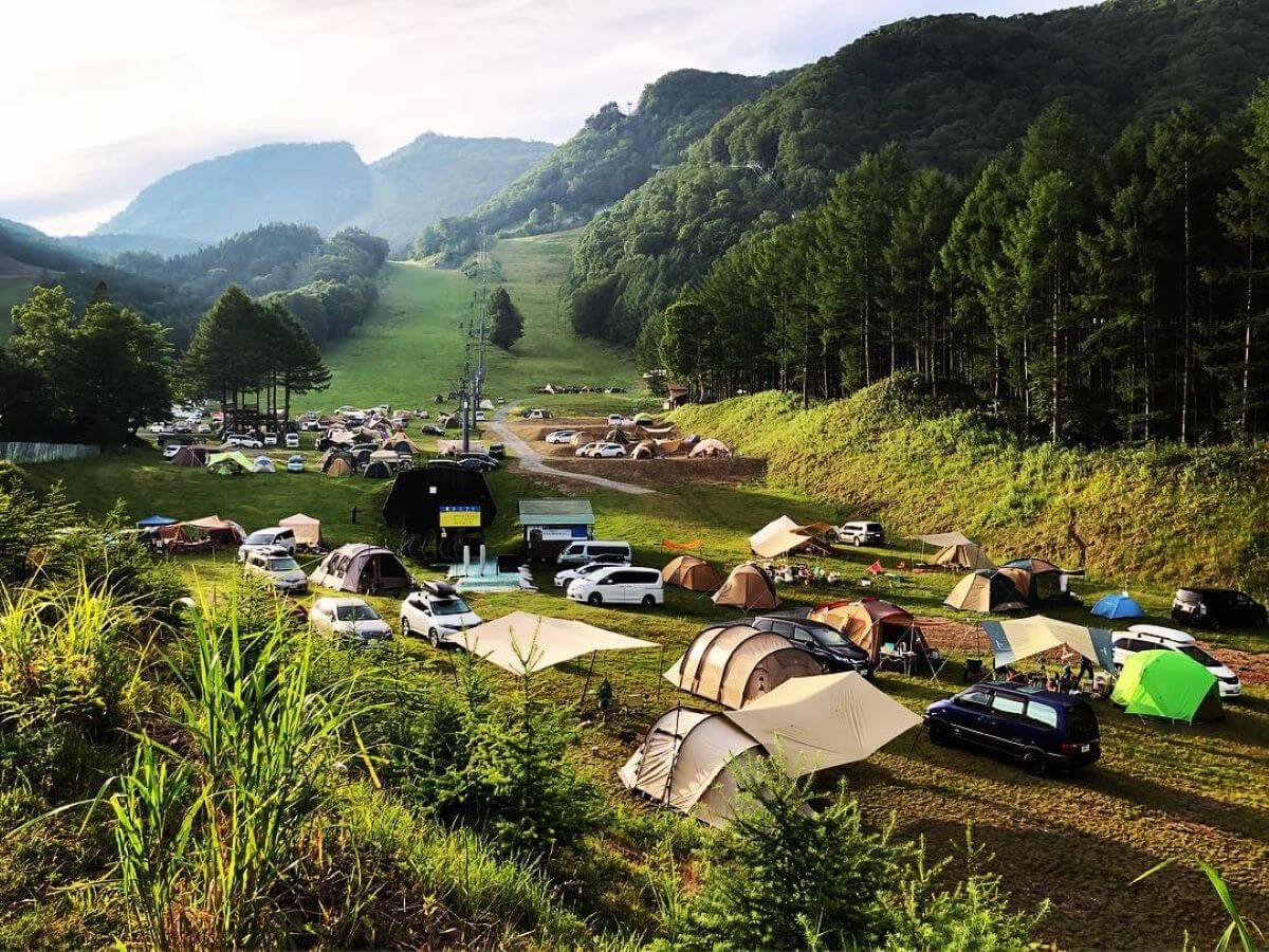 群馬県のおすすめキャンプ場10選 無料キャンプ場や露天風呂が楽しめる